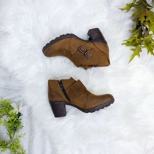 b.o.c. brown cognac leather ankle boots